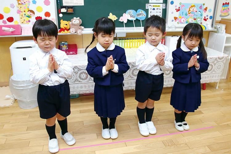 朝のお祈り・クラスでの活動・制作・歌・リズム運動遊びなど